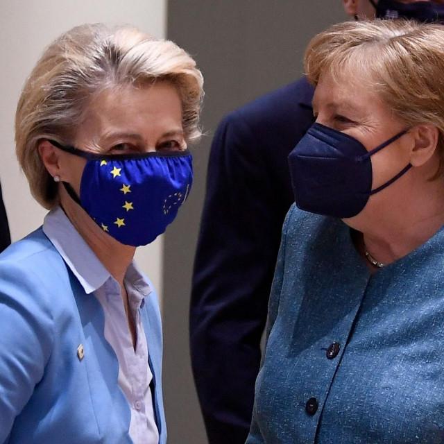 Ursula von der Leyen i Angela Merkel