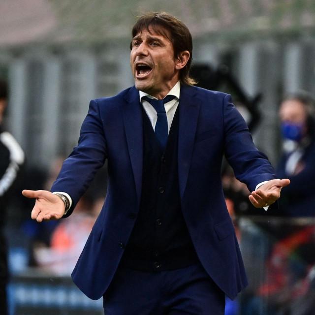 Inter Milan's Italian coach Antonio Conte reacts during the Italian Serie A football match Inter Milan vs Sampdoria on May 08, 2021 at the San Siro stadium in Milan. (Photo by MIGUEL MEDINA/AFP)