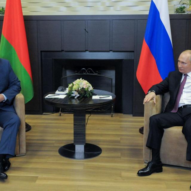 Ruski predsjednik Vladimir Putin i bjeloruski predsjednik Aleksandar Lukašenko