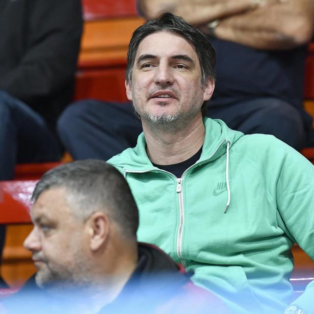 Damir Mulaomerović je nakon velike igračke karijere počeo trenersku u kojoj je već bio izbornik reprezentacija Kosova i BiH