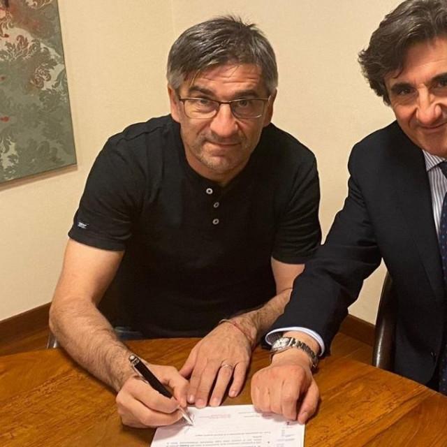 Ivan Jurić na potpisu ugovora