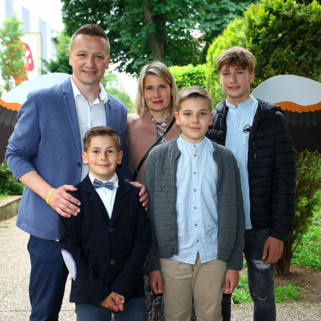 Tomislav Jelinčić s obitelji.