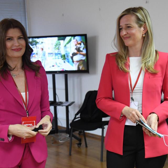 Mirela Ahmetović i Sabina Glasovac