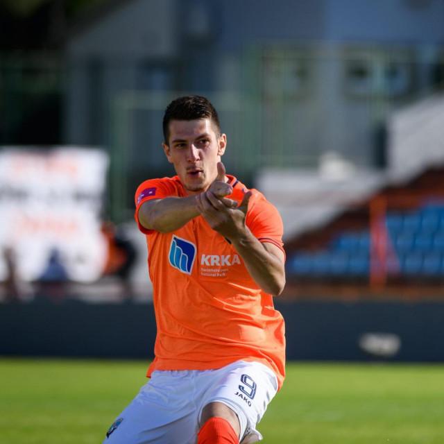 Deni Jurić slavi gol