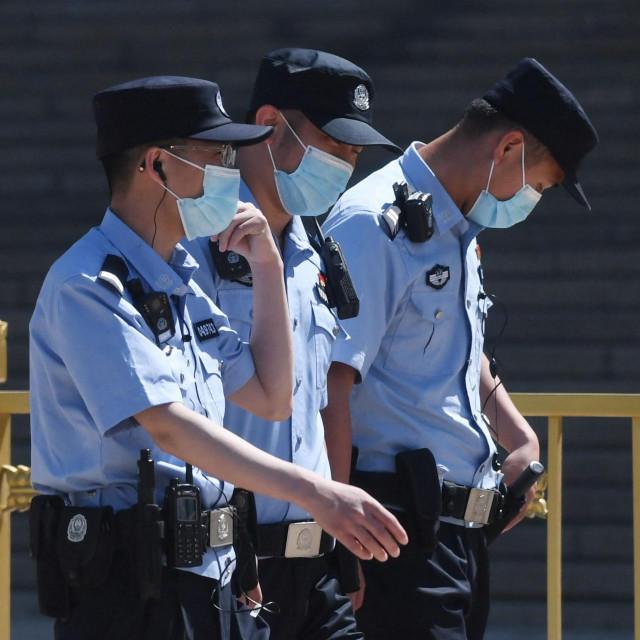 Ilustracija, policija u Kini