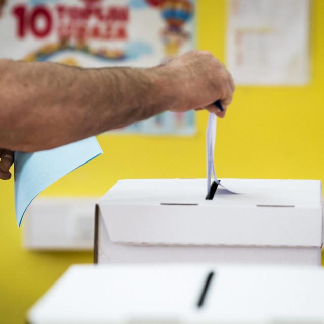 Ilustracija, glasanje