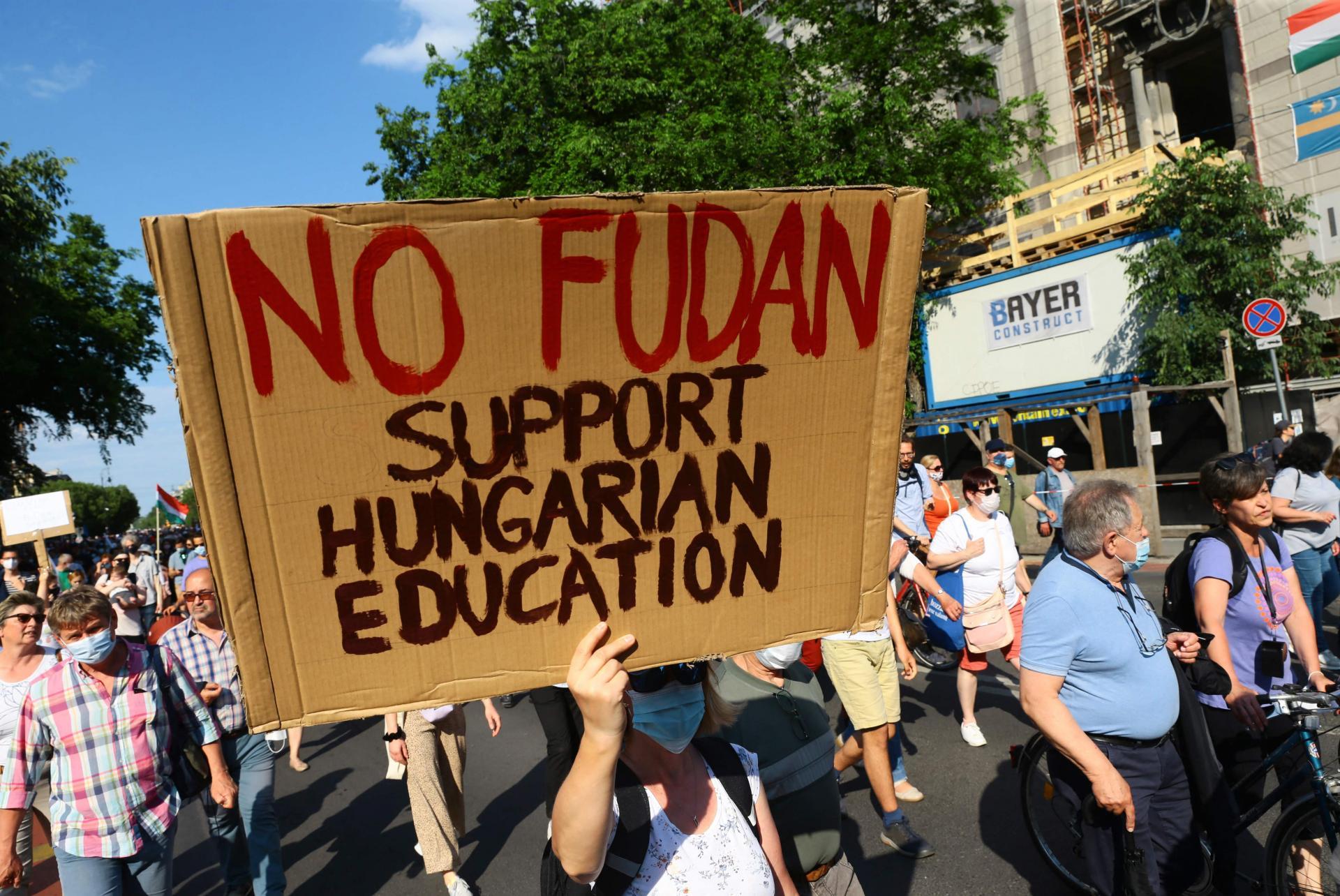 Orban se povukao : Palo kinesko veleučilište u Budimpešti 11300473