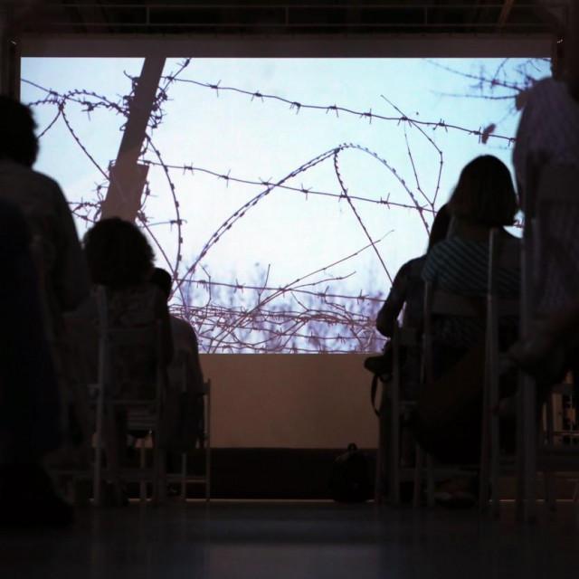 Gledatelji u Kijevu gledaju dokumentarac o Izolaciji