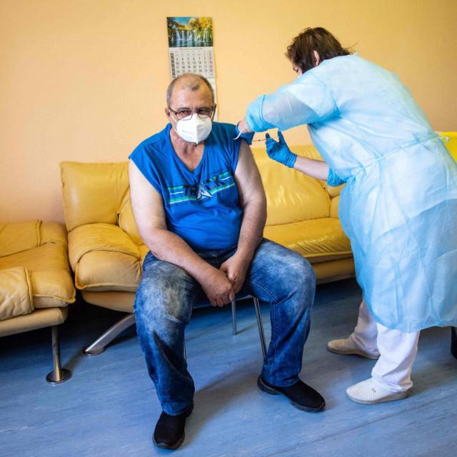 Prva osoba koja je u Slovačkoj primila rusko cjepivo