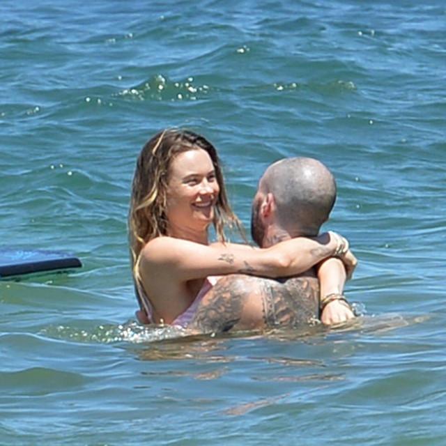 Adam Levine i Behati Prinsloo na Mauiju