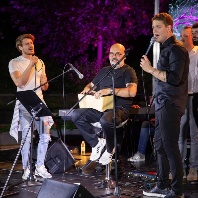 Jure Brkljača, promocija prvog albuma