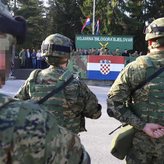 Ilustracija, vojnici u Bjelovaru