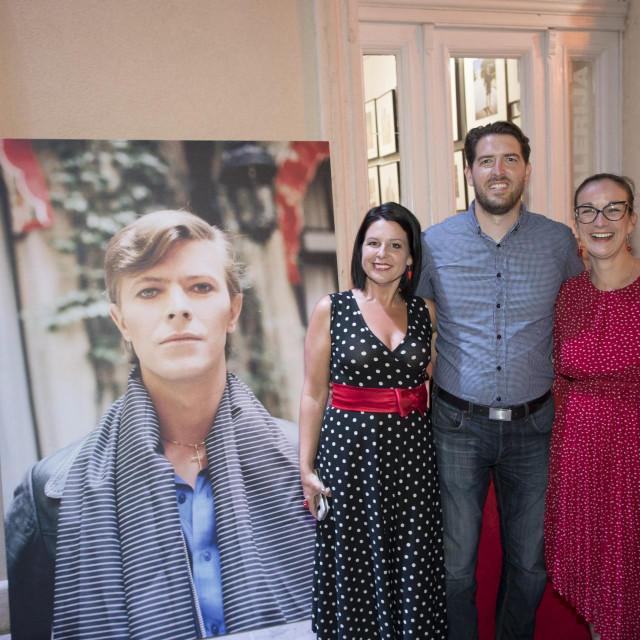 U Domu kulture na Bolu otvorena je velika retrospektivna izložba fotografija Jadrana Lazića.<br /> Na fotografiji: Feliks Lukas