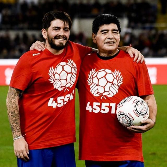 Diego mlađi s ocem Diegom Armandom Maradonom