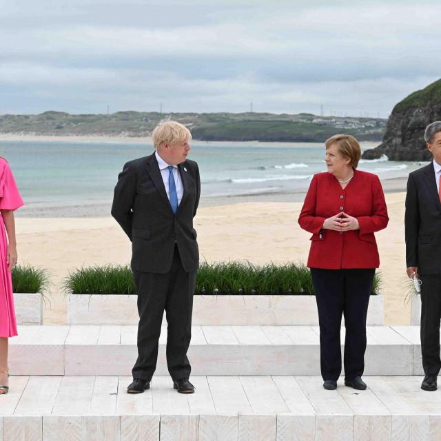 Johnson i Merkel