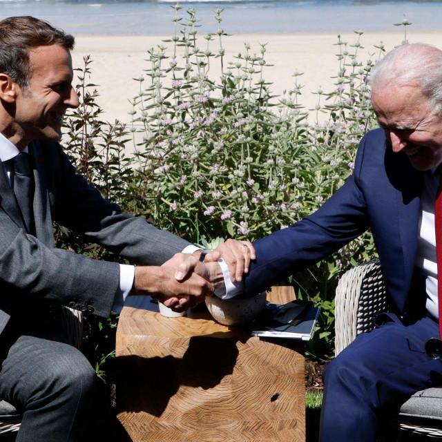 Emmanuel Macron i Joe Biden