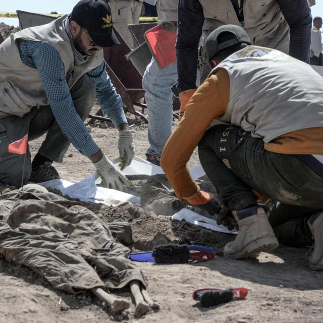 uznemirujući prizori u iračkom Badushu, na iskapanju ostataka ljudskih žrtava