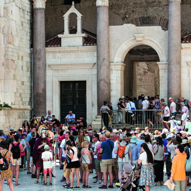 Turisti u Splitu