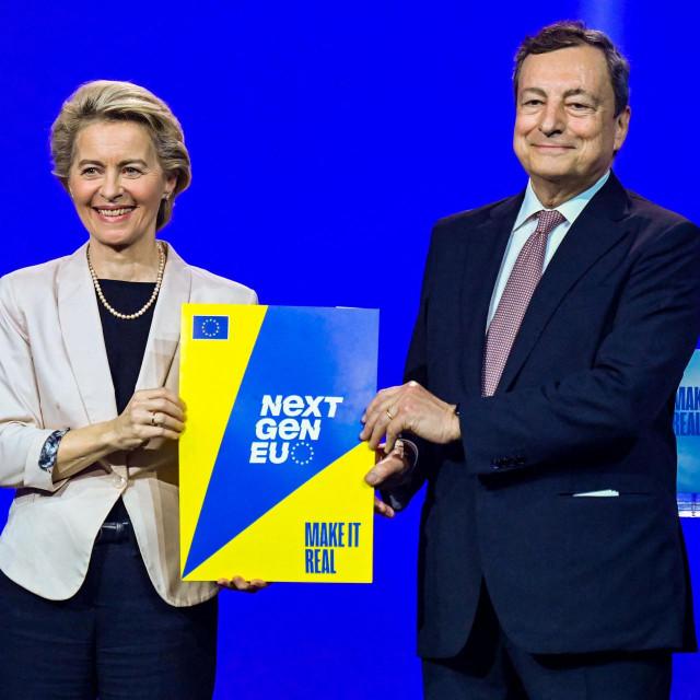 Ursula von der Leyen i Mario Draghi