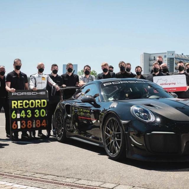 Manthey Performance Porsche 911 GT2 RS
