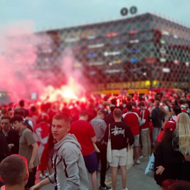 Slavlje u Kopenhagenu nakon pobjede Danske nad Walesom