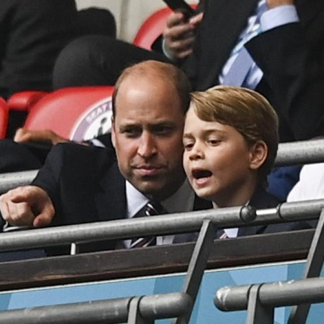 Prince William i Prince George na utakmici Eura gdje je Engleska igrala protiv Njemačke