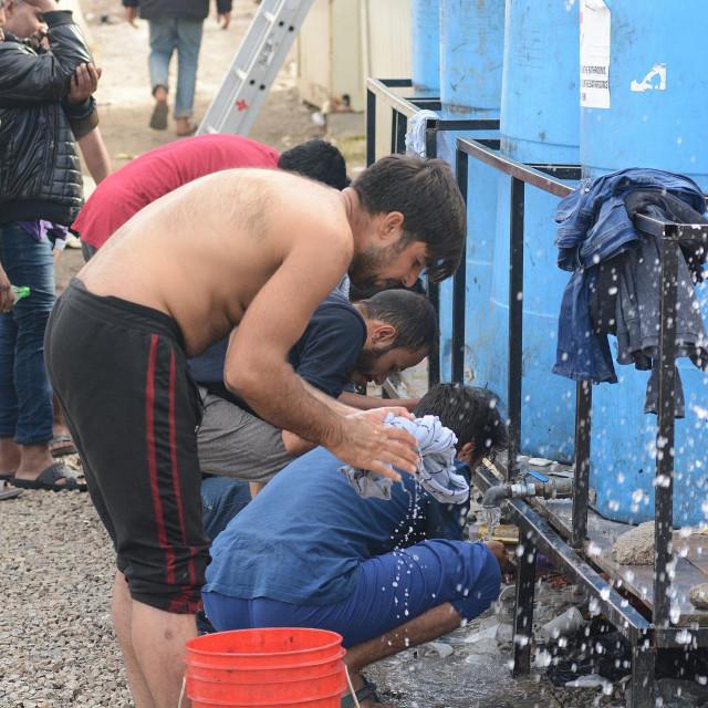 Migranti u kampu kod Bihaća