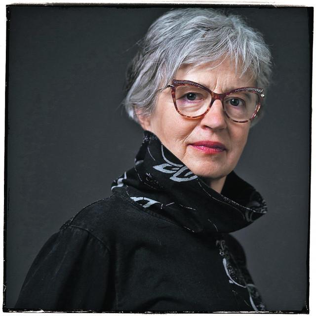 Gordana Vnuk, utemeljiteljica Eurokaza i njegova umjetnička ravnateljica, koja i urednički potpisuje monografiju