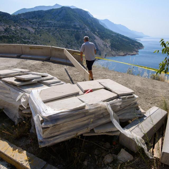Građevinska inspekcija zabranila je radove na ilegalnoj cesti u uvali Vruja