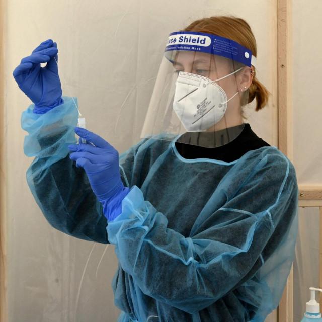 Ilustracija / priprema testa na koronavirus u Njemačkoj