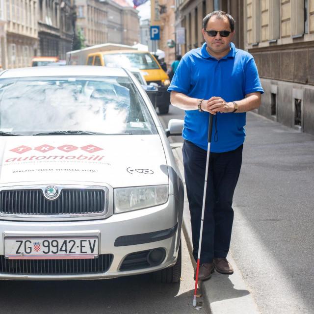 Mirko Hrkač, stopostotni invalid kojem je Zagrebparking naplatio kaznu za parkiranje iako ima važeću oznaku pristupačnosti