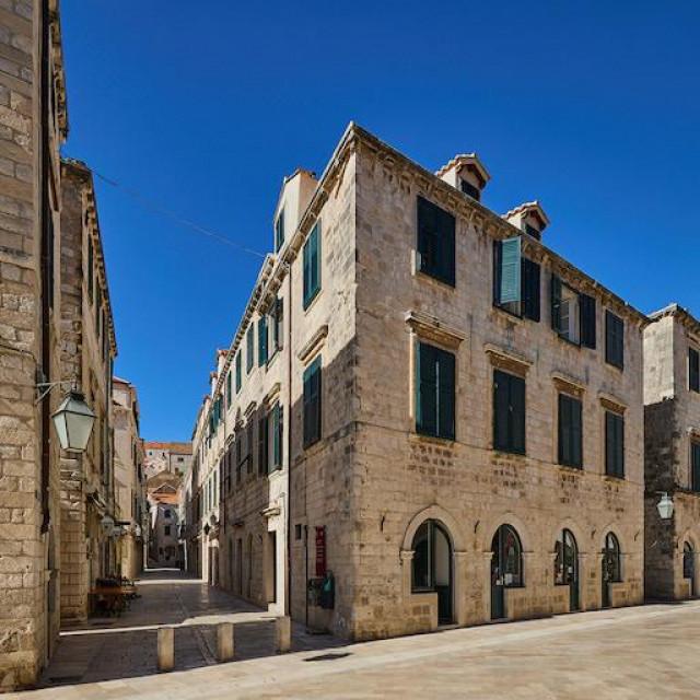 Bota palace