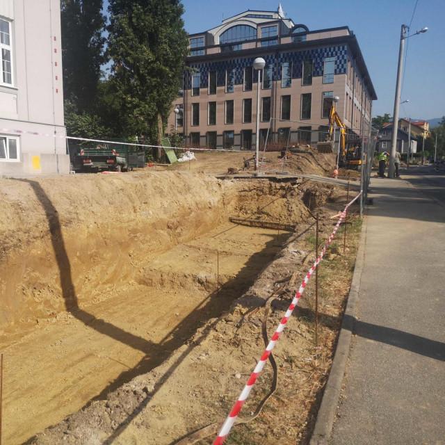 Zid koji se urušavao još od zagrebačkog potresa lani konačno je uklonjen