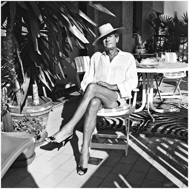 Helmut Newton na fotografiji svoje supruge June<br />