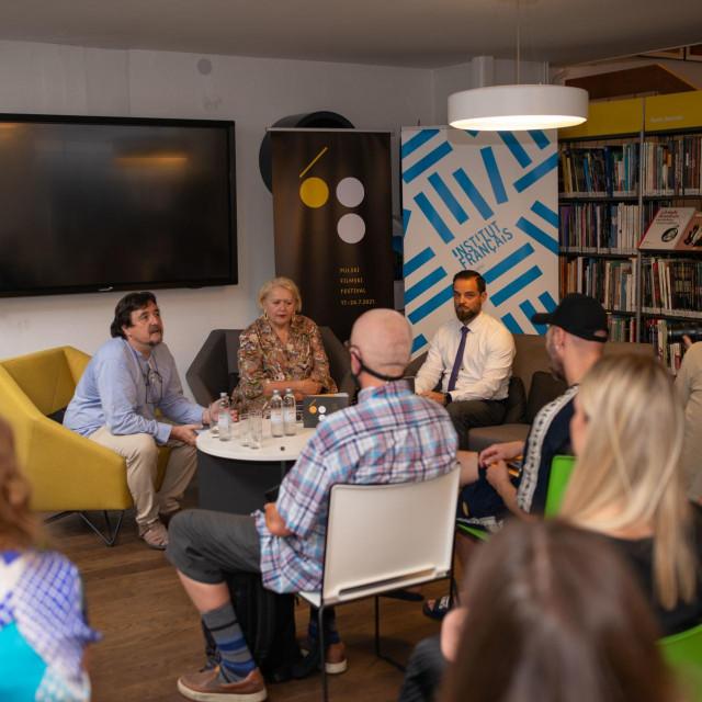 Pavo Marinković, Gordana Restović i Krešimir Partl na predstavljanju programa Pula Film Festivala