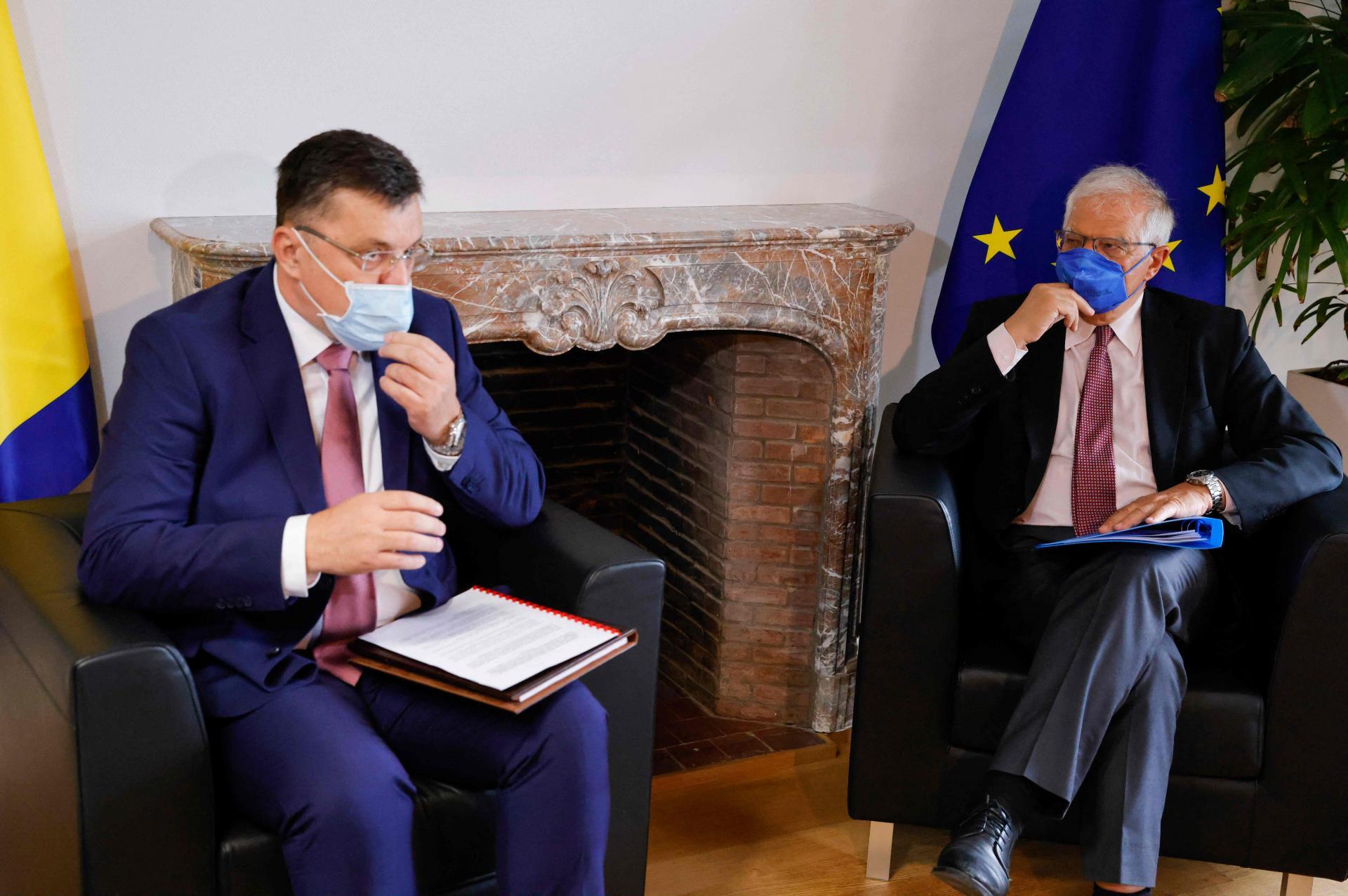 Bosna sastanak i snova hercegovina iz Dok se