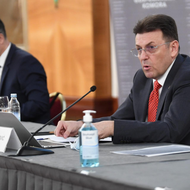 Luka Burilović (desno) i Tomislav Radoš na skupštini Hrvatske gospodarske komore