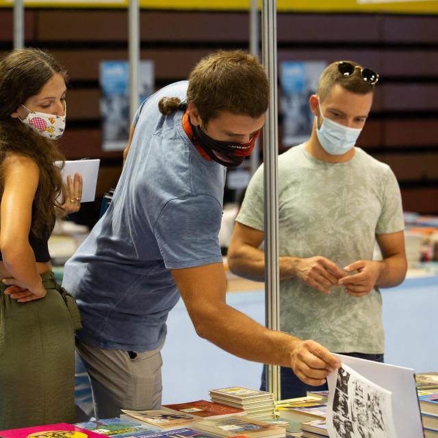 Posjetitelji na Mediteranskom festivalu knjige