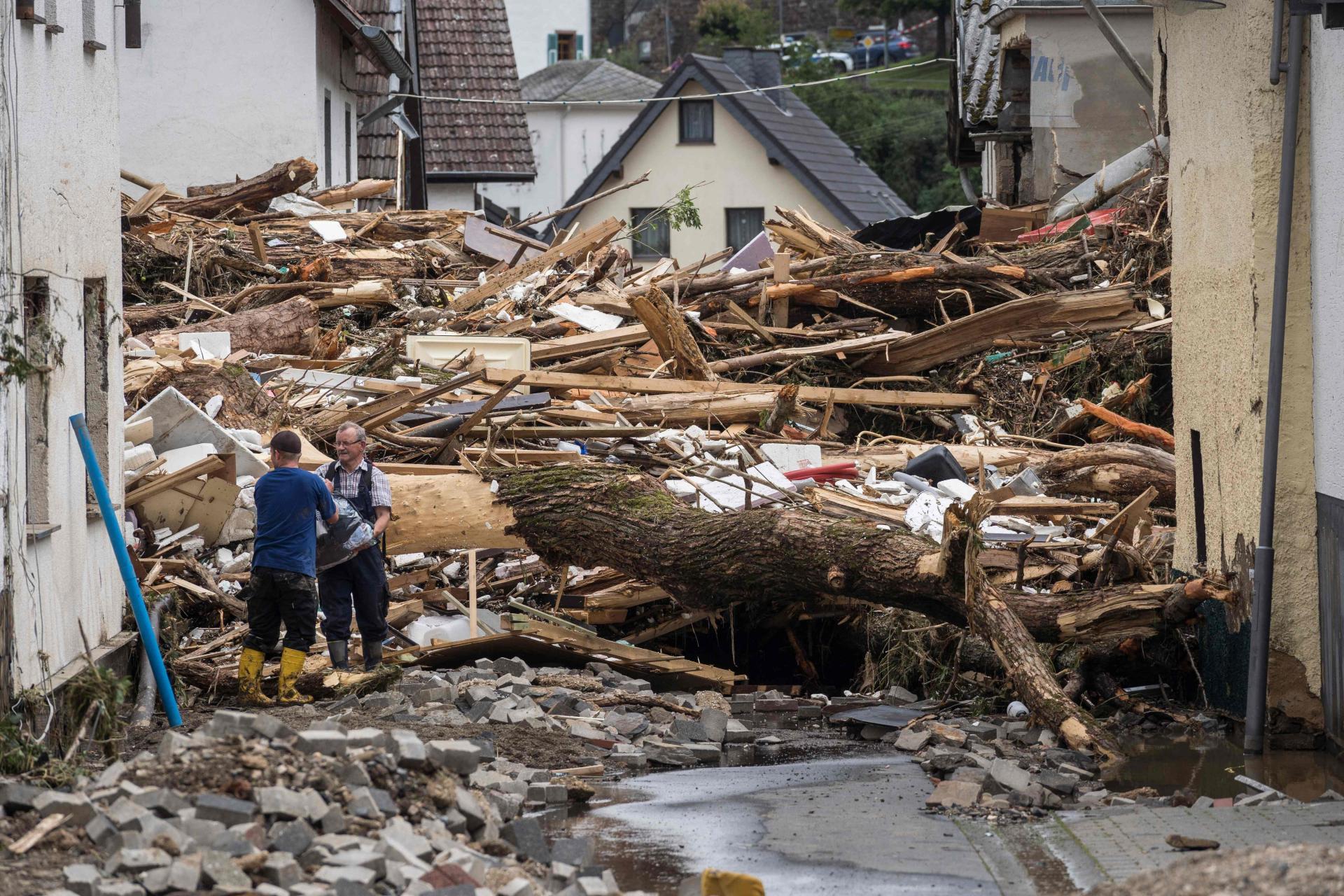 Njemačka : U poplavama najmanje šest poginulih, 30 nestalih 11782181