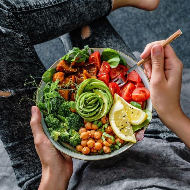 Slanutak u salati sjajan je izbor