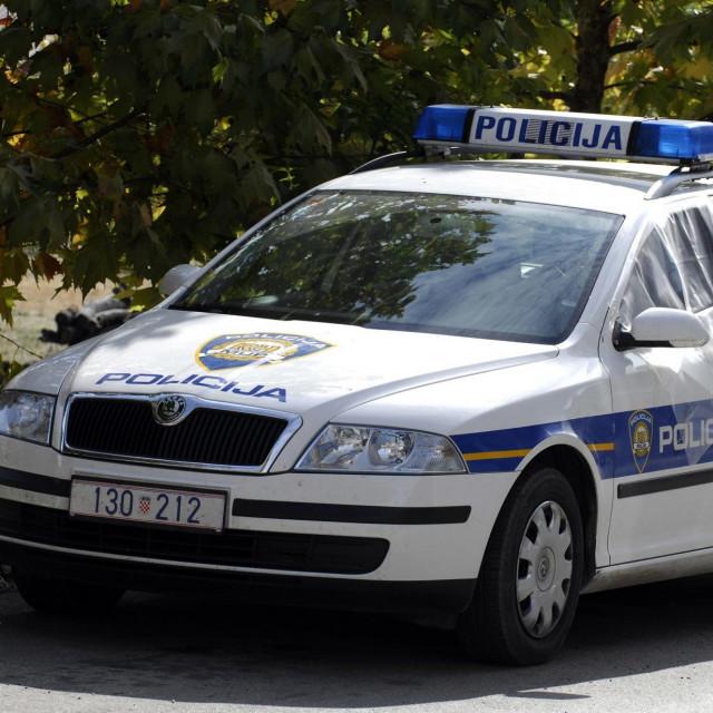 Policijsko vozilo, Ilustracija