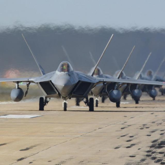 Ilustracija, avioni F-22 Raptor