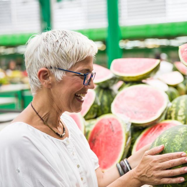 Ovo ukusno, sočno voće obiluje vitaminima i nutrijentima koji pospješuju izlučivanje toksina i tijelo održavaju hidriranim za vrućih ljetnih dana