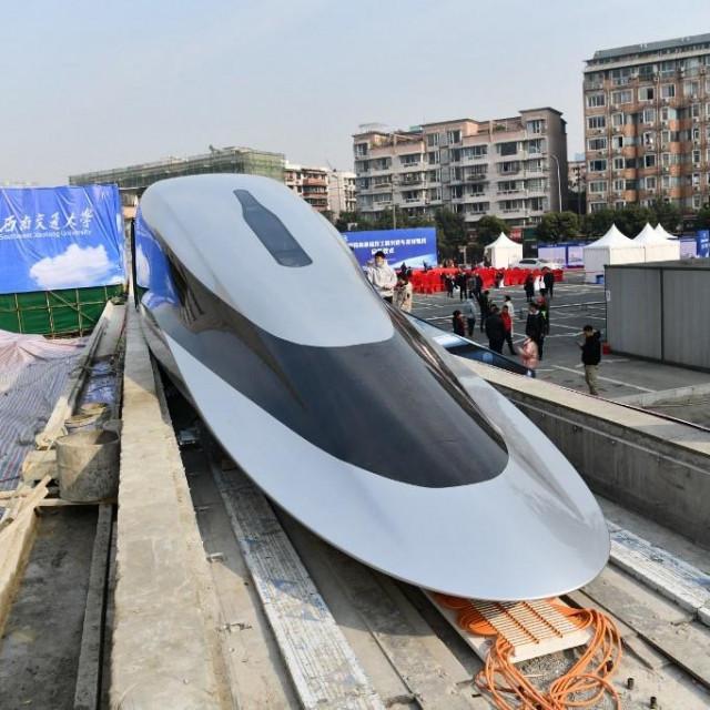 Prototip maglev vlaka