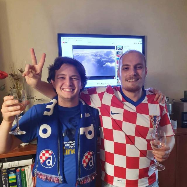 Tin Puljić i Lovro Šprem, svjetski prvaci u debati