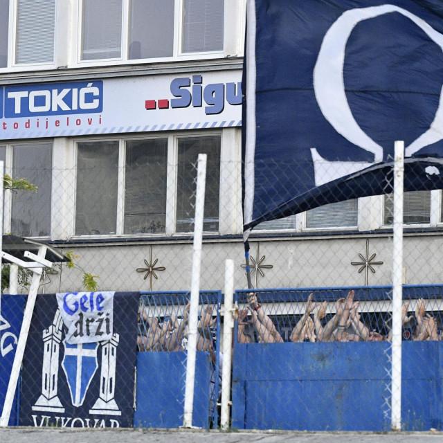 Ne vidiš ih, ali ih čuješ: BBB-i s ulice bodre Dinamo