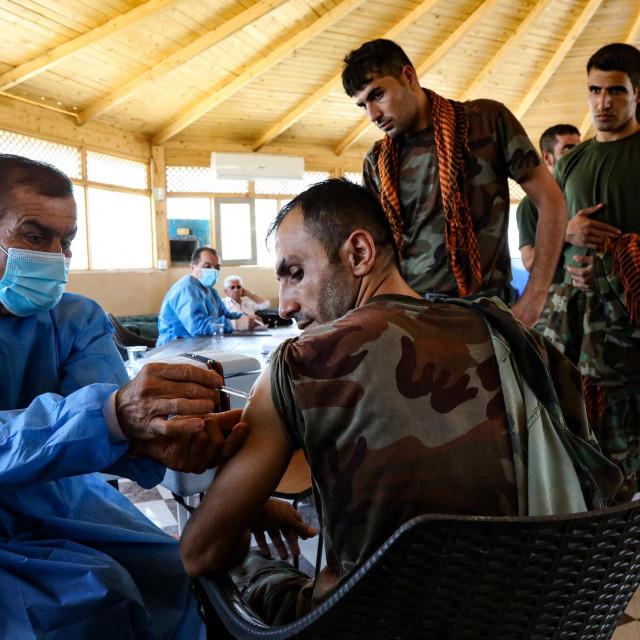Cijepljenje u Iranu