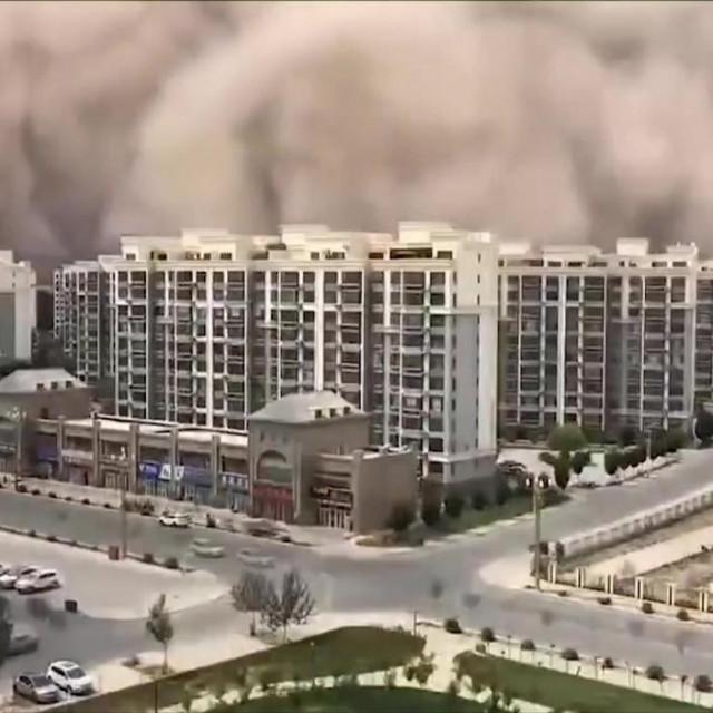 Pješčana oluja u Kini