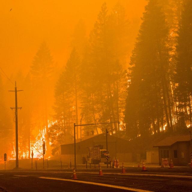 Ilustracija, požar u Kaliforniji