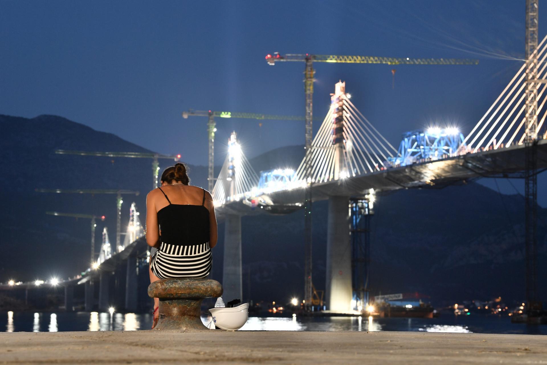 Pelješki most netom prije spajanja   Tonci Plazibat/Cropix